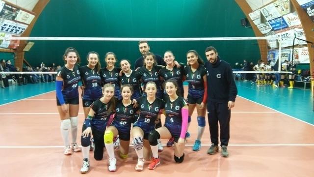 Giò-Volley-Rainbow-1.jpg